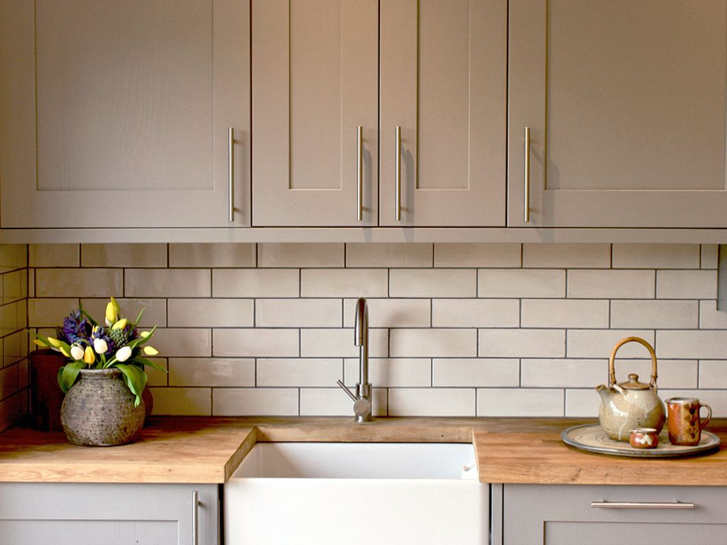 Victorian Crackle Glazed White Brick Tiles