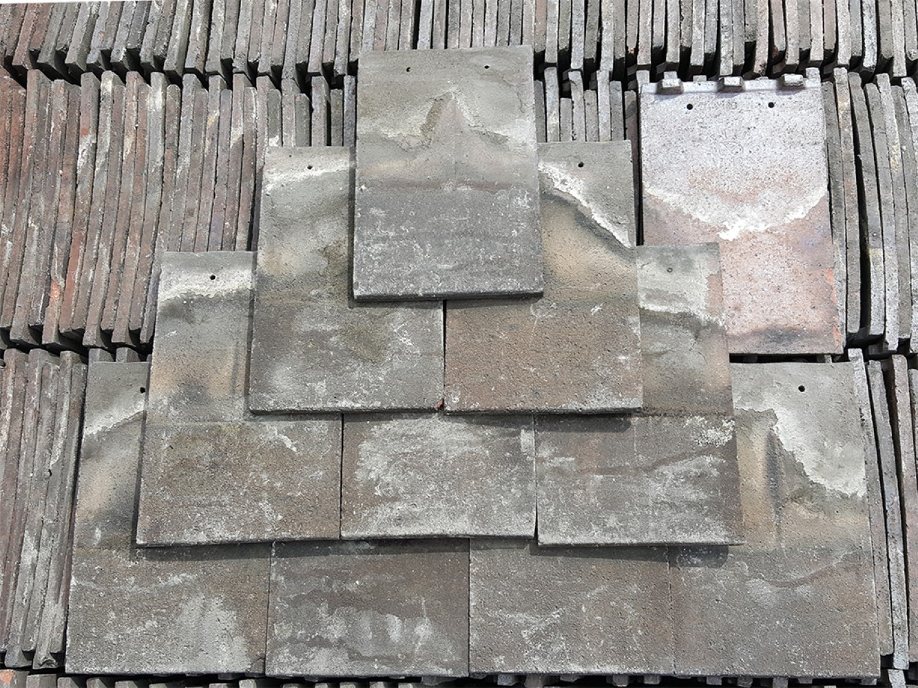 Reclaimed Brindle Machine Made Smooth Broseley Roof Tiles