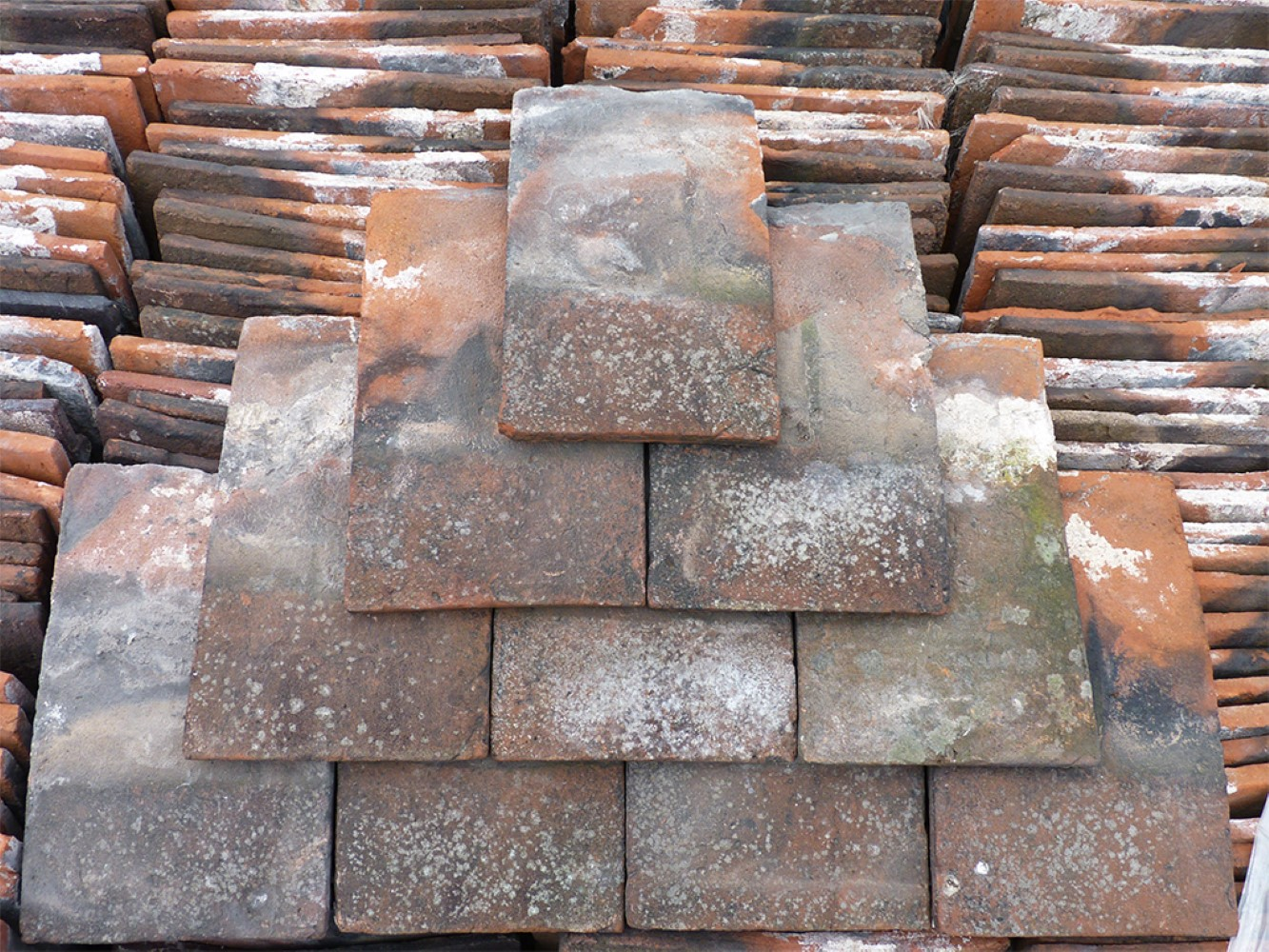 Reclaimed handmade red roof tiles for New roofing products