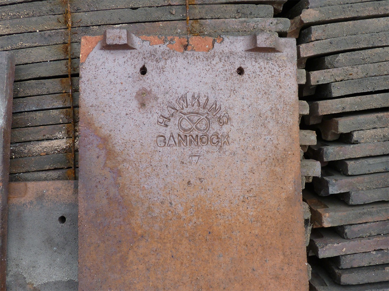 Reclaimed Red Machine Made Sand Faced Hawkins Roof Tiles