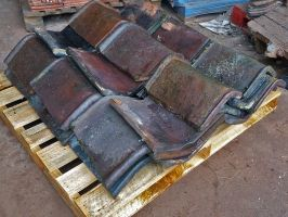 Reclaimed Capped Brindle Hog Back Ridge Tiles