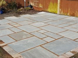 Light Grey Natural Indian Sandstone - Hand Split or Calibrated